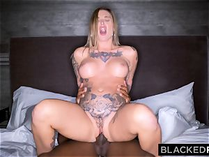 BLACKEDRAW Real Texas girlfriend cheats with dark-hued dude at the hotel after party