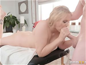 Julia Ann gets massaged inwards and out