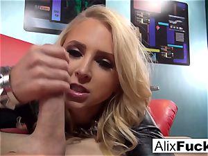 blond stunner Alix Lynx sucks off the camerist