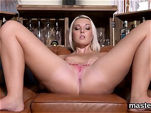 jaw-dropping czech hottie opens up her stretch crack to the strange