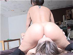 insane girls eating some backside