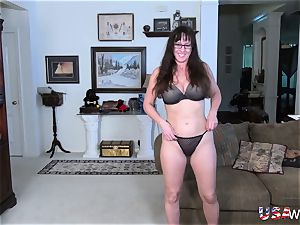 USAwives Mature girl dt and toy onanism