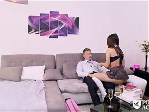 porno ACADEMIE - american Lana Rhoades drills principal