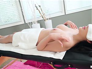 Brenna Sparks and stunner Gold warm massage session