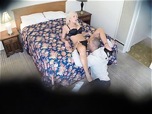super-naughty Nina Elle fucks her stud at the motel