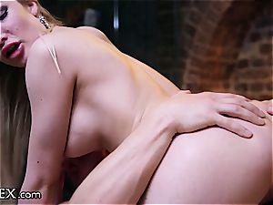 erotic intercourse on the massage table