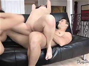 cum interchanging action with Sovereign Syre and Valentina Nappi