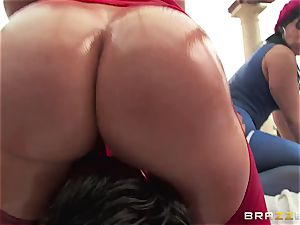 assfuck hookup with trio kinky enormous arse tarts Krissy Lynn, Nikki Delano and Rose Monroe