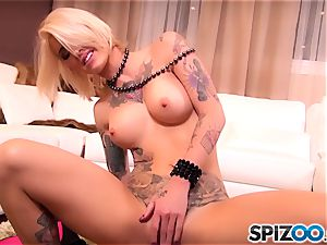 tattooed sweetheart princess Kleio Valentien romped in her succulent puss pie pudding