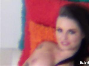 Dahlia Sky witnesses Christy on set