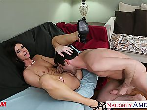 India Summer welcomes his rock hard meatpipe deep in her muff