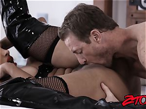 marionette cougar Mercedes Carrera plunged with yam-sized pecker