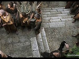 Lena Headey bares her nude figure in Game of Thrones