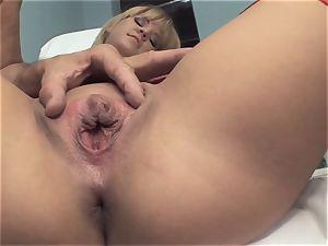 Deep screwing Sn 5 blondie babe luvs to donk pummel