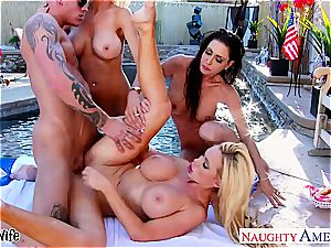 stunning Nikki Benz eats juicy cooter and gets pounded