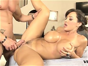 uber-sexy mummy Lisa Ann has a taste for mexican meat