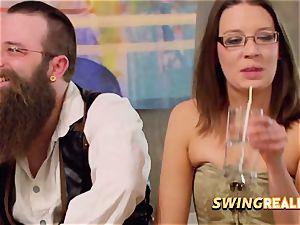 ebony duo joins fledgling swingers