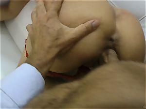 Rocco Siffredi tears up his salami into a taut pussied stunner