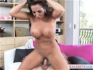 steamy mature female Richelle Ryan tempts her kinky stepson
