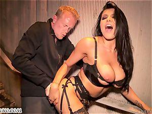 Romi Rain - extraordinaire red-hot amateur porno in the street