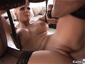 Phoenix Marie gives us an amazing ass fucking this Xmas