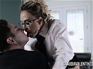 Claudia Valentine poked and creampied by her therapist