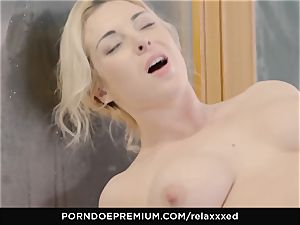 RELAXXXED voluptuous pool sex with Victoria Summers
