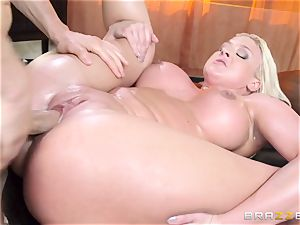 Leya Falcon cheats with her large dicked masseur