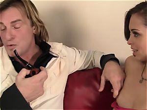 Riley Reid Has Her very tight labia
