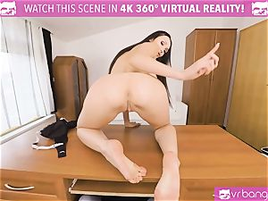 VR pornography - Thanksgiving Dinner becomes a kinky threeway