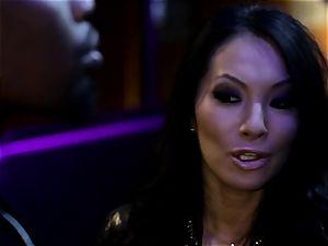 Asa Akira blows one humungous bbc in disco