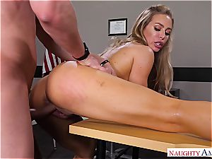 The hottest lecturer Nicole Aniston wants man sausage for her bliss