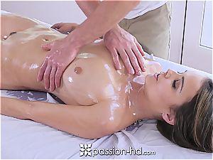 Dillion Harper likes sumptuous massage